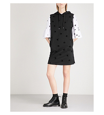 MCQ ALEXANDER MCQUEEN Swallow-flocked cotton-jersey hoody dress (Darkest black