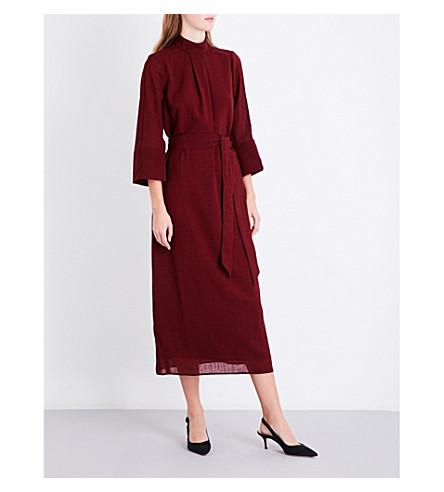 CEFINN 漏斗颈纱布 midi 连衣裙 (深色 + 红色