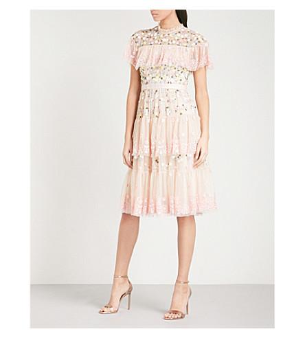 针和线分层尼斯绣薄纱连衣裙 (花瓣 + 粉红色