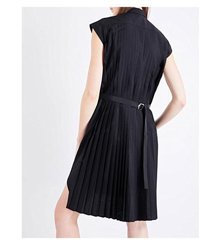 Sacai pleated back woven shirt dress black modesens for Black pleated dress shirt