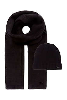 HUGO Beanie and scarf set