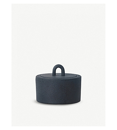 FERM LIVING Cast iron buckle jar 6cm