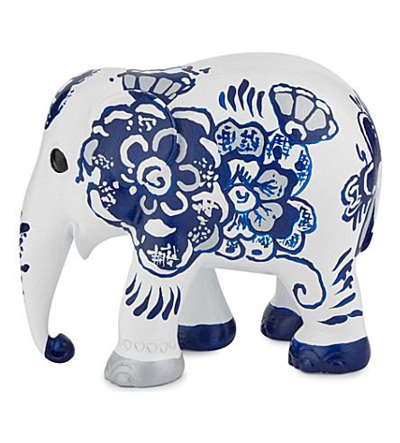 THE ELEPHANT FAMILY Worth to be Dutch elephant 15cm