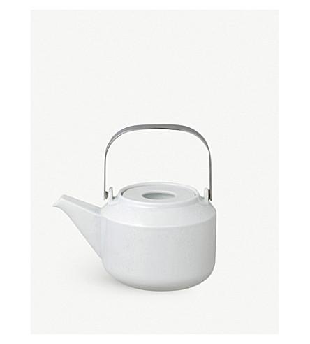 KINTO LT porcelain teapot with strainer 600ml