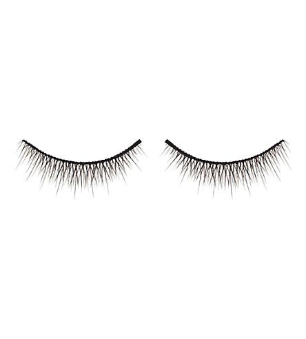 SHU UEMURA Natural volume false lashes