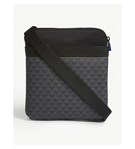 EMPORIO ARMANI Brand logo print messenger bag (Black