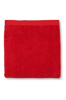 SELFRIDGES Red bath towel