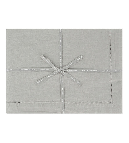 THE LINEN WORKS Castellet tablecloth