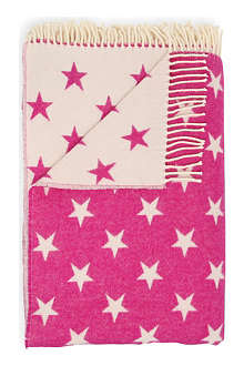 BRONTE Lipstick pink star throw