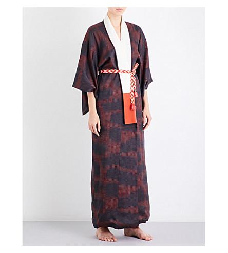 KISSHOTEN Shimmering Heat silk kimono robe (The+gentleman
