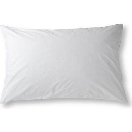 SELFRIDGES Cotton pillow protector 50cm (White