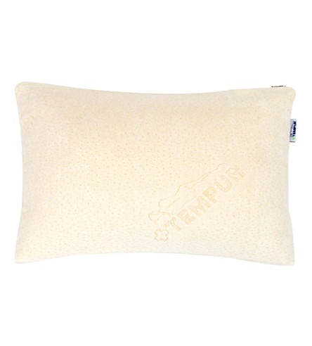 TEMPUR Traditional petite travel pillow