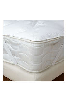 THE FINE BEDDING COMPANY Spundown mattress enhancer