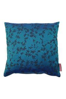 CLARISSA HULSE Potentilla cushion