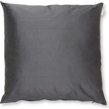 LINUM Silk cushion (Charcoal