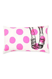 LA CERISE SUR LE GATEAU Spotty shoes cushion cover