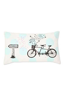 LA CERISE SUR LE GATEAU Tandem cushion cover