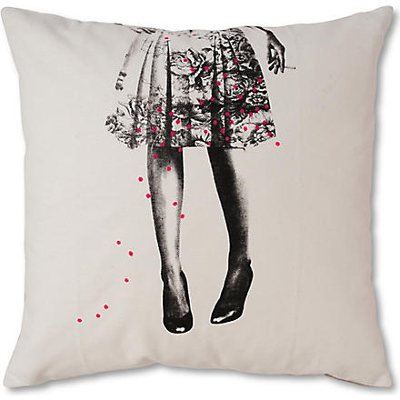 LA CERISE SUR LE GATEAU Alice white cushion cover