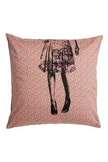 LA CERISE SUR LE GATEAU Alice Liberty cushion cover
