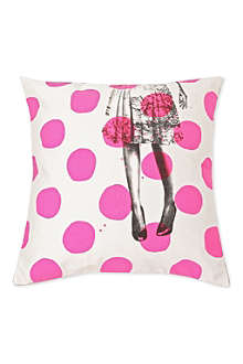 LA CERISE SUR LE GATEAU Spotty Alice cushion cover