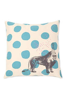 LA CERISE SUR LE GATEAU Lion cushion cover