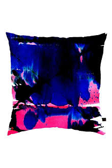 AMY SIA Waterfall cushion