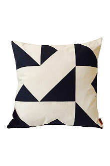MUMO Niemeyer cushion