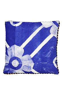 BONNIE AND NEIL Flower Tile cushion