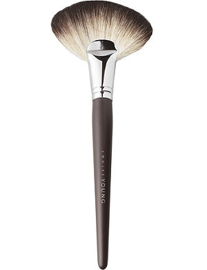 LOUISE YOUNG LY20 - Super Fan brush