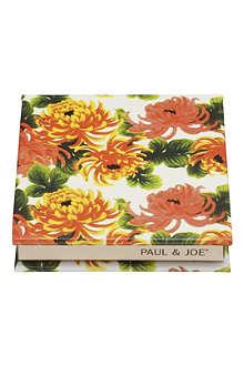 PAUL & JOE Eye Color Trio Compact