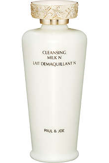PAUL & JOE Cleansing milk