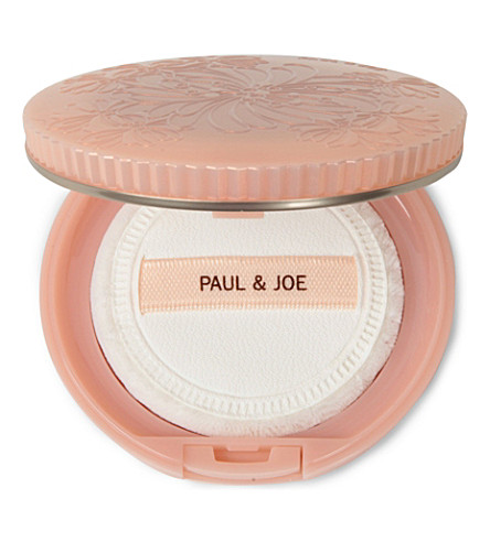 PAUL & JOE Pressed powder compact