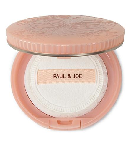 PAUL & JOE Pressed powder compact