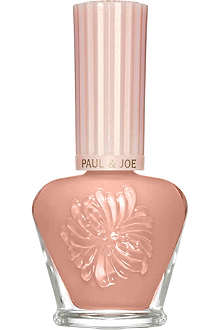 PAUL & JOE Nail polish