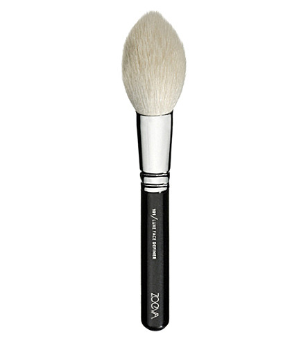 ZOEVA 101 Luxe Face Definer Brush