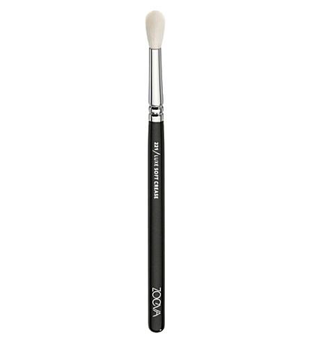 zoeva  221 luxe soft crease brush  selfridges