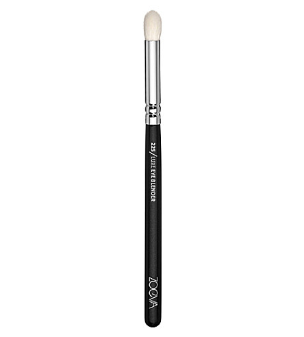 ZOEVA 225 Eye Blender Brush