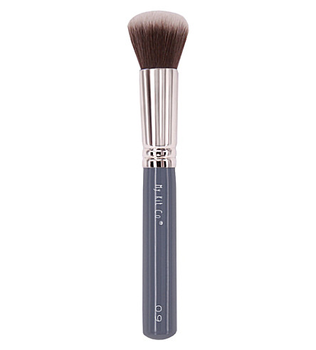 MYKITCO. My Flawless Foundation Domed Brush 0.9
