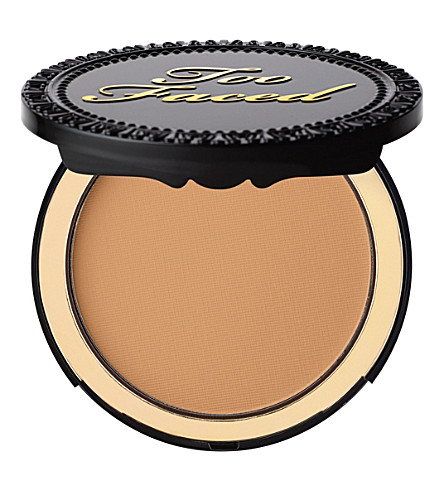 TOO FACED Cocoa powder foundation (Tan