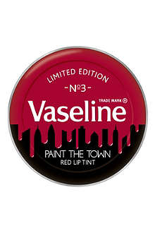 VASELINE Paint The Town lip therapy