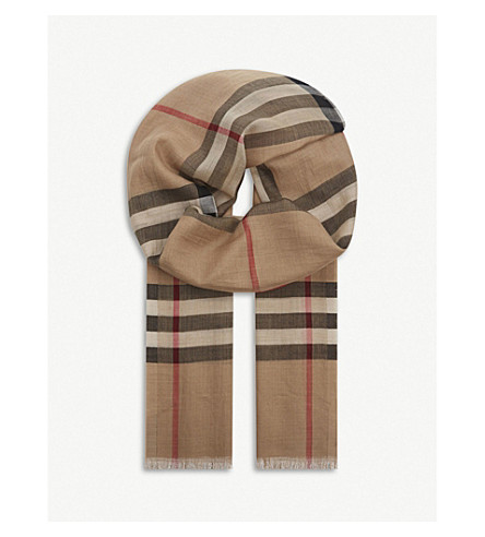 BURBERRY Giant check wool and silk-blend scarf (Camel+check