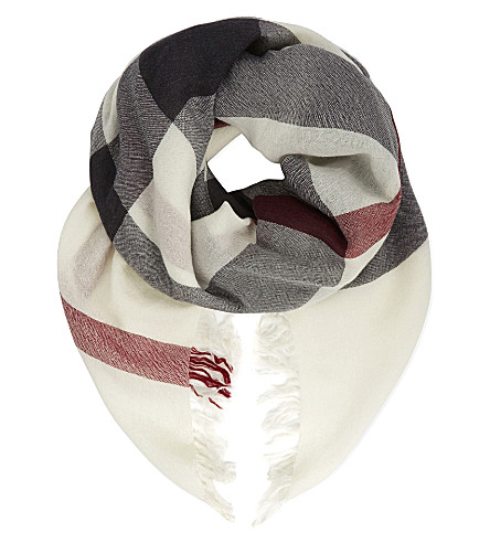 BURBERRY Checked extra fine merino wool scarf (Ivory check