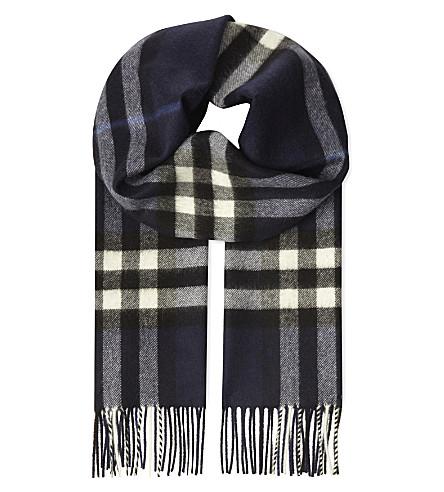 BURBERRY Giant check cashmere scarf (Indigo+blue