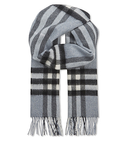 BURBERRY Giant check cashmere scarf (Dusty+blue