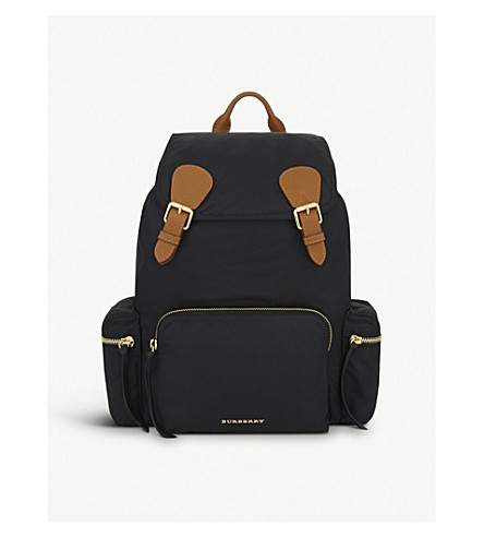 BURBERRY The Large Rucksack (Black