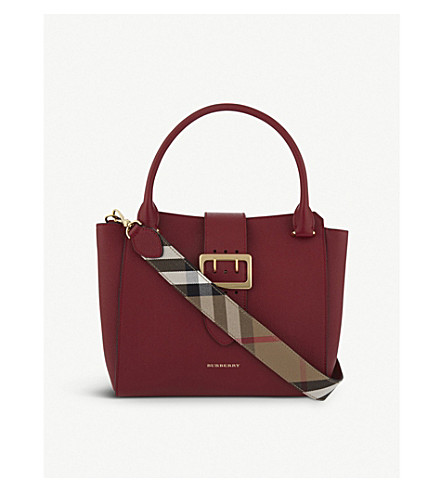 BURBERRY Medium buckled leather tote (Parade+red