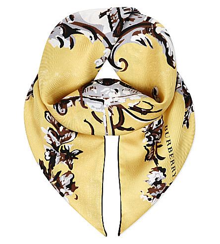 BURBERRY Medallion-print silk scarf (Yellow barley