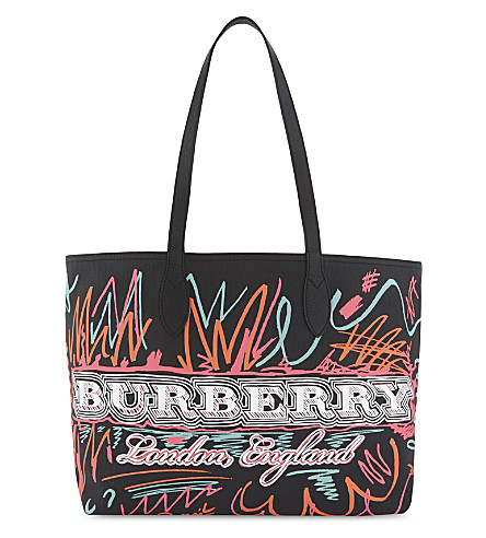 BURBERRY Doodle marmaking reversible canvas tote (Black+orange+pink
