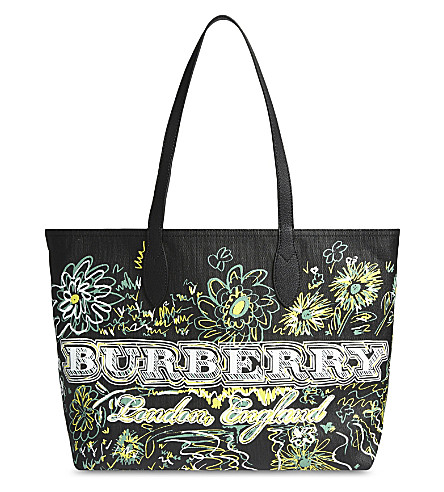 BURBERRY Doodle flowers reversible canvas tote (Black+green+yellow