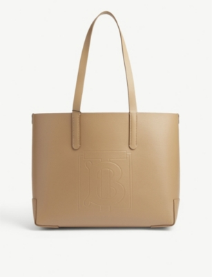 EW embossed leather tote(8309745)